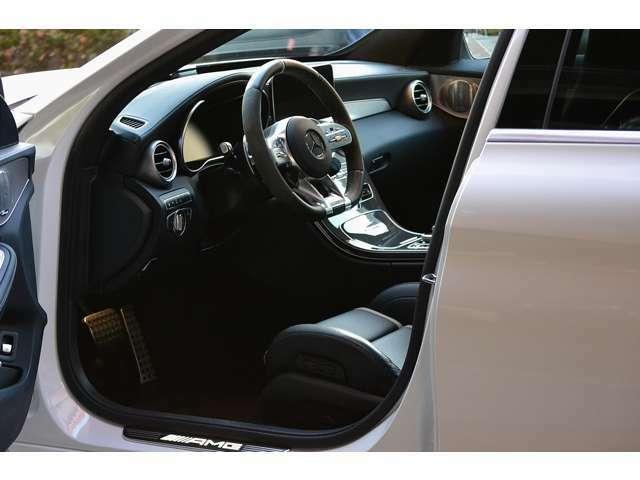 AMGパフォーマンスシートが装備されたスポーティーなインテリアです。