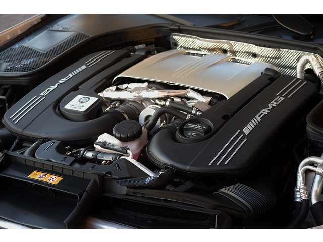 カタログ値510psという大パワーを発生させる4.0Lツインターボエンジンです。