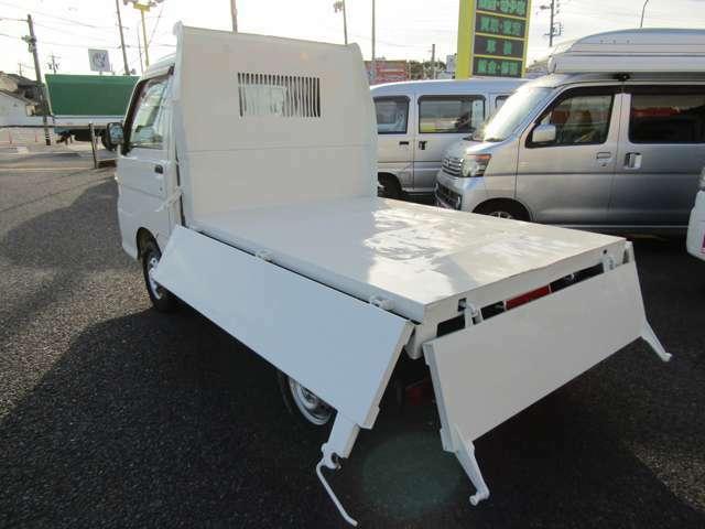 内寸の長さ187cm×幅137cmの広~い荷台!たっぷり積み込めて、作業のしやすい荷台です♪