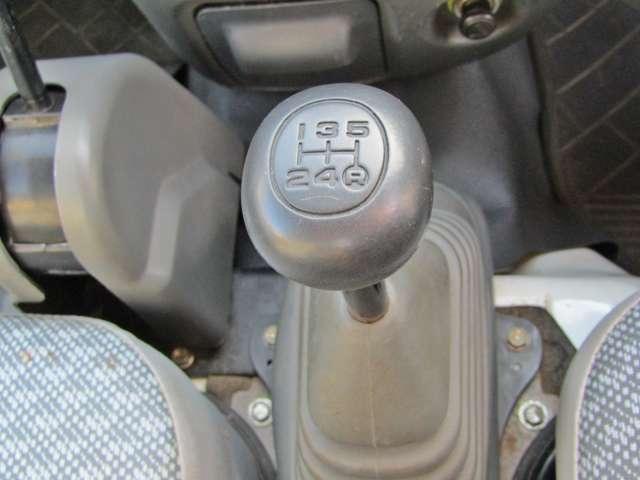 安心の5速マニュアルで、フル積載でも走りに不満はありません!!
