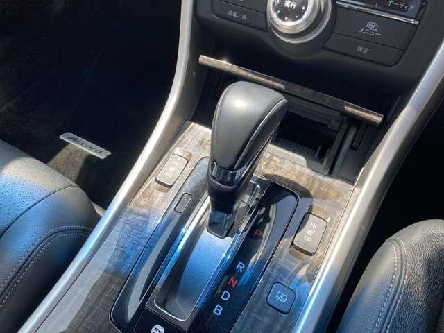 シフトも操作しやすく快適なドライブを楽しんでいただけます!