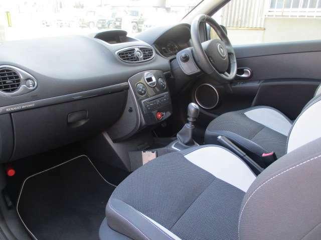 ロングドライブに便利なクルーズコントロールも装備され、快適なドライブをお楽しみ頂けます。
