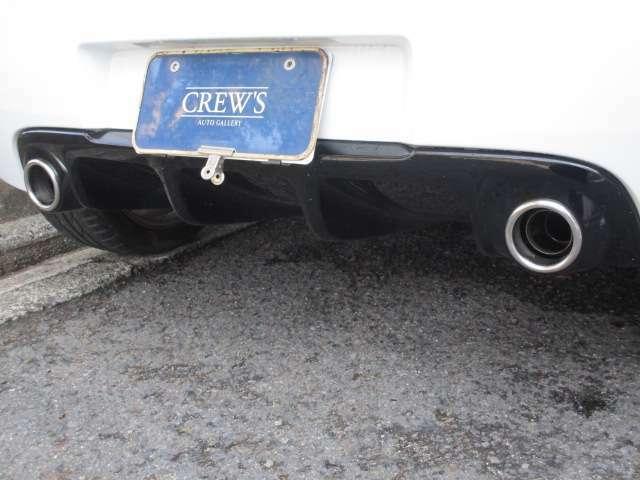 空力を追求した本格的なリアディフューザー!このためトランク下のスペアタイヤ設置スペースが無くなってしまいました?