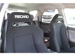 RECAROシート装備♪フロントシートは左右RECAROシートが装備されております!