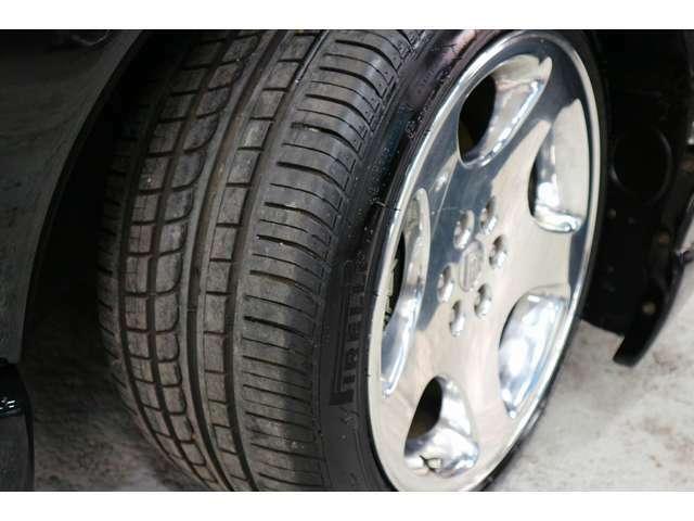 タイヤの残り溝も十分あります