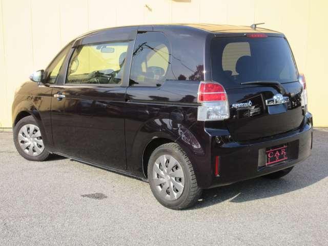 パワーシートとは、座席のスライドや座面高さ、リクライニングの調整を電動モーターで行うもの。主に高級車に採用される装備で、各部の調整が無段階で設定できる。