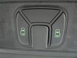 両側電動スライドドアスイッチ付です♪ドアノブでの開閉はもちろんのこと、車内からもスイッチひとつでラクラク開閉できますよ♪