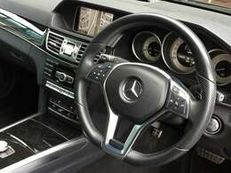 LIBERALAでは輸入車でも新車登録から最長10年間の保証がご選択頂ける車種がございます。「中古車は不安」というお客様の声にお応えし、お客様の安心安全のために業界最長の保証を実現致しました。