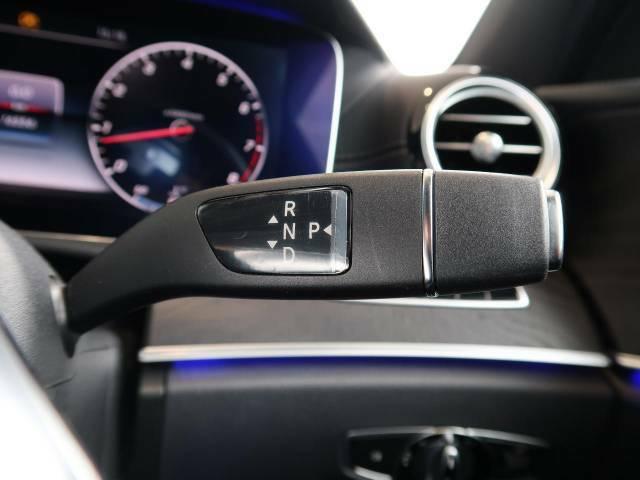 ●走りのマニュアルモード付9AT!国産車とは一線を画す輸入車ならではの爽快な走りをお楽しみ頂けます!