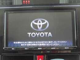 トヨタ純正ナビ装着車です