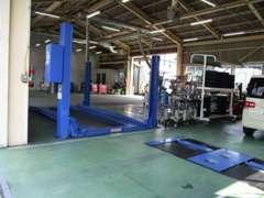 車検・点検・整備ができる工場で、お車のアフターケアもお任せです!