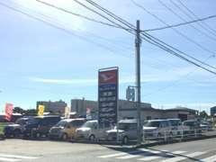 愛知県道56号線沿いにお店をかまえております♪