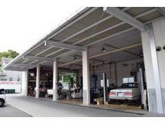 入庫後は全車両を自社指定工場で点検整備してから販売いたします