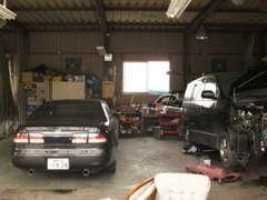 車検・板金修理の他、シートや内張り等の張替えもお任せ下さい