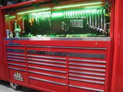 エンジン製作、各種改造等も当社プロスタッフにお任せ下さい。