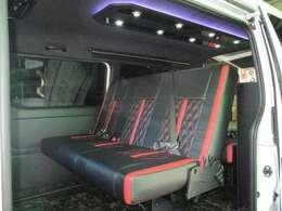 トランスフォームVer.3ベース1ナンバーのまま8人乗りを2段ベッド仕様に特注製作!より多い就寝人数を獲得しました!車検対応!