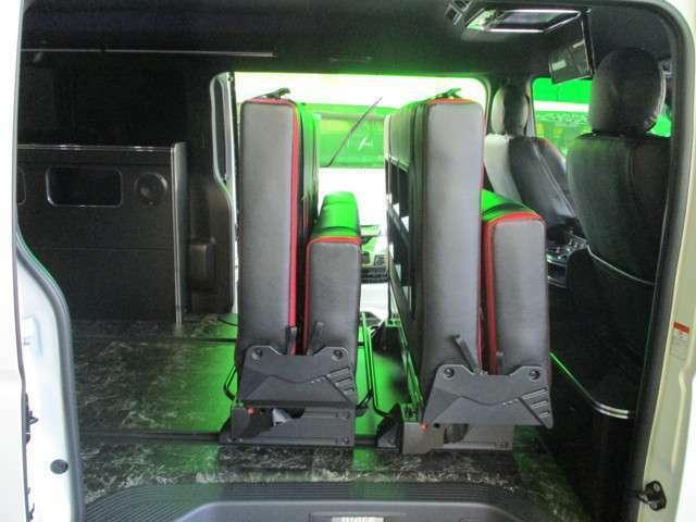 1,400/1,200T-REVO搭載!折り畳んで収納可能!