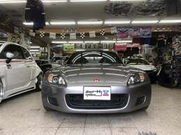 とってもシャープでこれぞスポーツカーというフロントフェイス!S2000は写真より実物の方がカッコいい気がします!