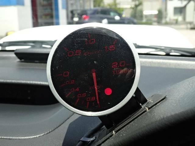 【ブースト計】メーター上部に装備されていて、運転していて楽しいお車です♪