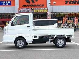 KCエアコン・パワステ 届出済未使用車 2WD 5速MT ABS、デュアルエアバック付 アクセサリーソケット FMAMラジオデッキ 3方開