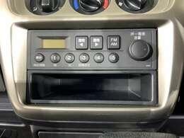 純正FMAMラジオ装備です。