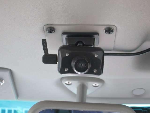 ドライブレコーダーも付いてます、もしもの時に安心です。(リヤ側)