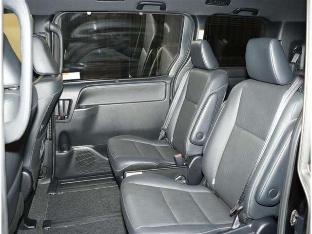 お車の取扱説明書・メンテナンスノート(記録簿)もございます。トヨタのディーラーで安心もご購入ください。