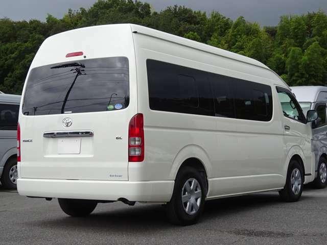 長さ:538cm/幅:188cm/高さ:228cm/車両重量:2270kg/車両総重量:3040kg/燃料タンク:70リットル/カラーナンバー:058