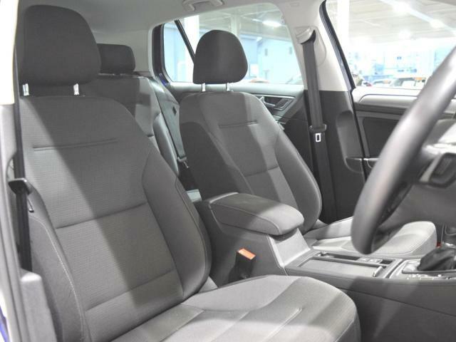 (運転席助手席) 安全装備をオプションで追加するのは日本的発想。 フォルクスワーゲン車はサイドエアバッグを全車標準で装備しております。