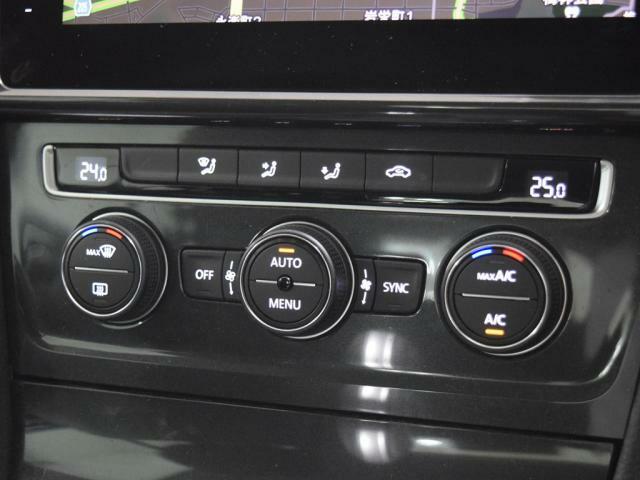 2ゾーンフルオートエアコンディショナーは運転席助手席の温度が独立して温度調節可能です。