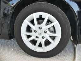 タイヤ溝とは「目に見える任意保険」です!!タイヤの山はまだ残っていますので、安心してお乗り頂けますね!