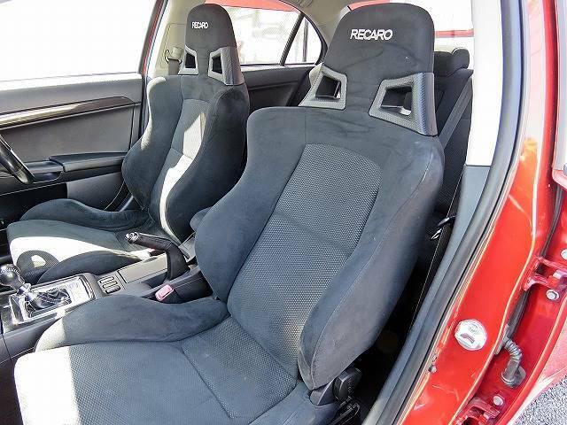 低価格カーといえばCOLOR'S(カラーズ)!!ご期待に添える車がきっと見つかります!!在庫にない場合でもお探しする事も可能です!