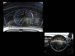 メーターはアナログタイプ!走行中でも確認しやすい大きさのスピードメーター!右下のインフォメーションディスプレイではクルマのいろいろな情報が確認できます!