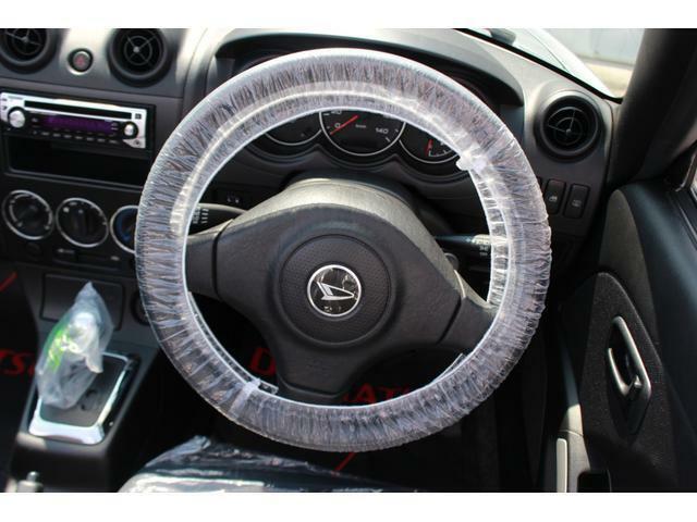 ハンドルは握りやすい厚さになっているので運転しやすいですよ♪