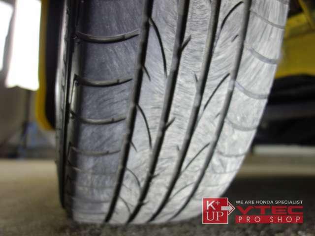 タイヤの溝もまだまだ使用OK!消耗後の交換も当店にお任せください。ご予算、ご用途にあわせて銘柄をご提案いたします。タイヤの種類に詳しくない方でも御安心ください!