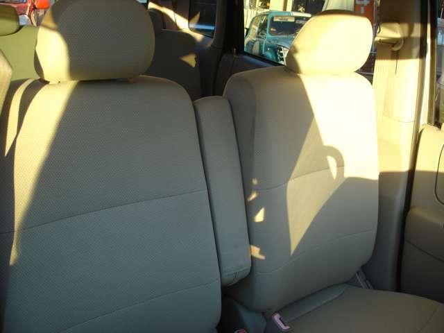 運転席ゆったり座れます♪