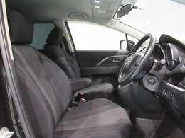 視界が良く運転性の良いフロントシート。