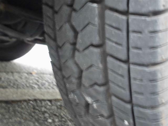 ■フロントタイヤの溝はまだまだ大丈夫ですよ♪■