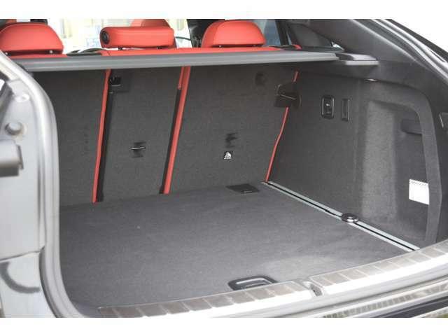 お車の御検討とあわせて「ガラスフィルム」や「ドライブレコーダー」など付属品のご相談も受け賜わります。