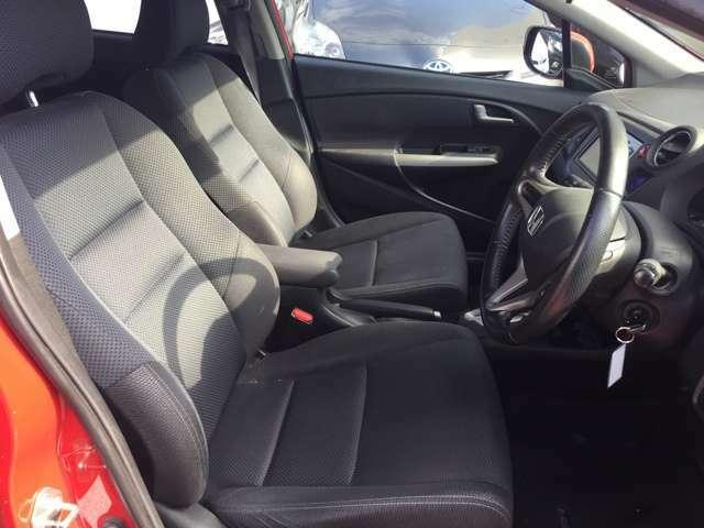ドライバーにとっては、外観よりも、いつも目にする内装が重要。