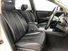 ●黒本革シート フロントシートは目立つキズや汚れなども少なくキレイな状態となっております♪