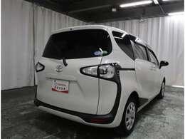 この車は、1.お車内外の徹底洗浄 2.認定検査員による車両検査証明書の発行 3.1年間・走行距離無制限の無料保証 の3つの安心をお約束する、トヨタの認定中古車です!