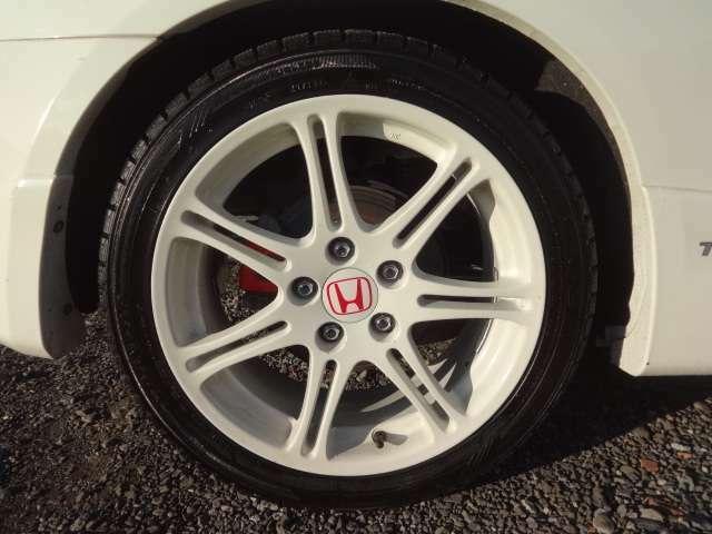 タイヤの溝もまだまだ残ってます!新品タイヤへの交換もご相談ください!
