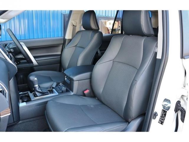 運転席と助手席にはシートヒーター、シートクーラーも装着されております