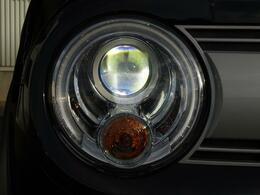 ヘッドランプはディスチャージライトを使用しております。
