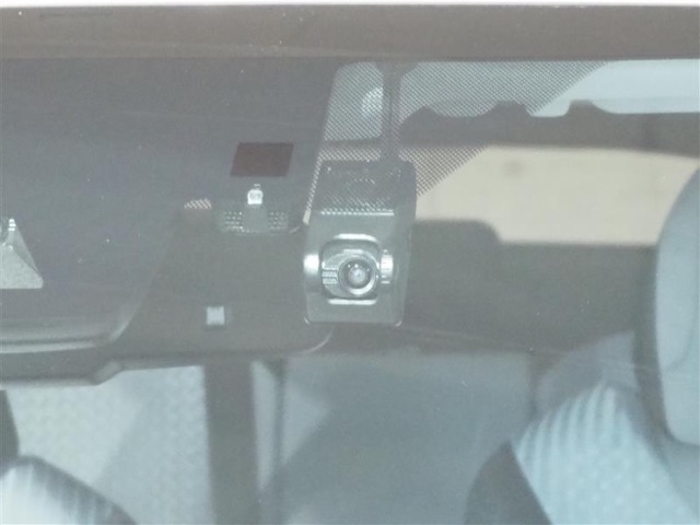 ドライブレコーダーです。万が一の時、状況確認に役立ちます!