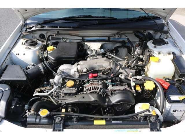 水平対向EJ20エンジンです!
