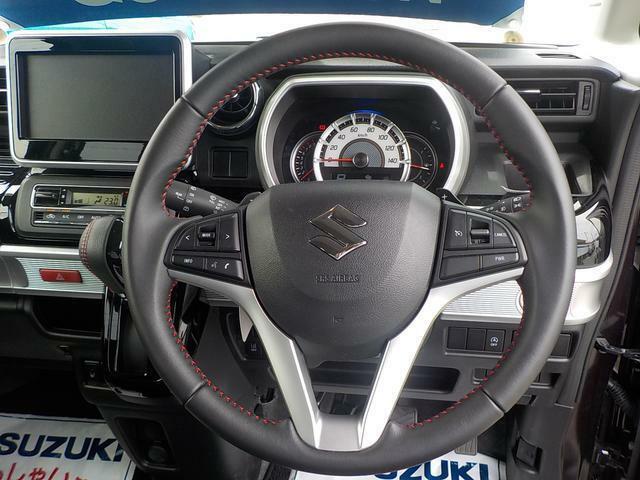 皮巻きパワステアリングハンドル/オーディオスイッチ内蔵&クルーズコントロールで快適な走行を可能にします(^^)/