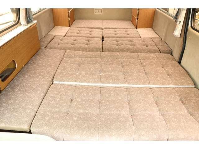 ダイネットベッドサイズ262×145/160 3名就寝目安