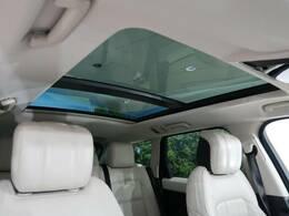 ●電動ガラスルーフ【スライディング機能付き!!開放感溢れる車内空間を演出!ドライブには欠かせない装備です!】